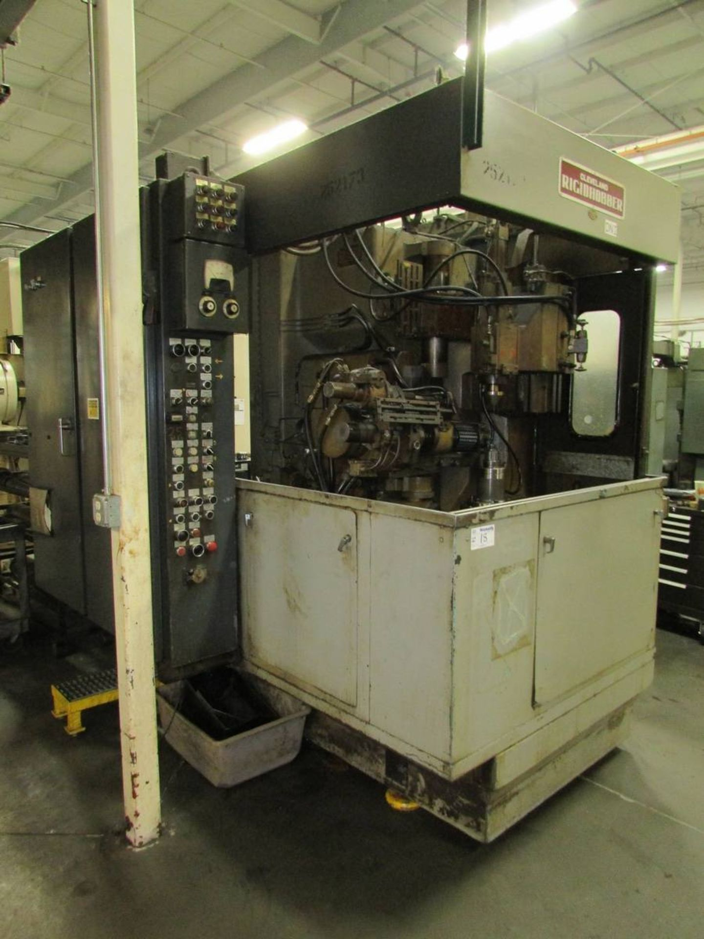 Cleveland/ Waterbury Farrel CR300-612-002 Universal CNC Gear Hobbing Machine