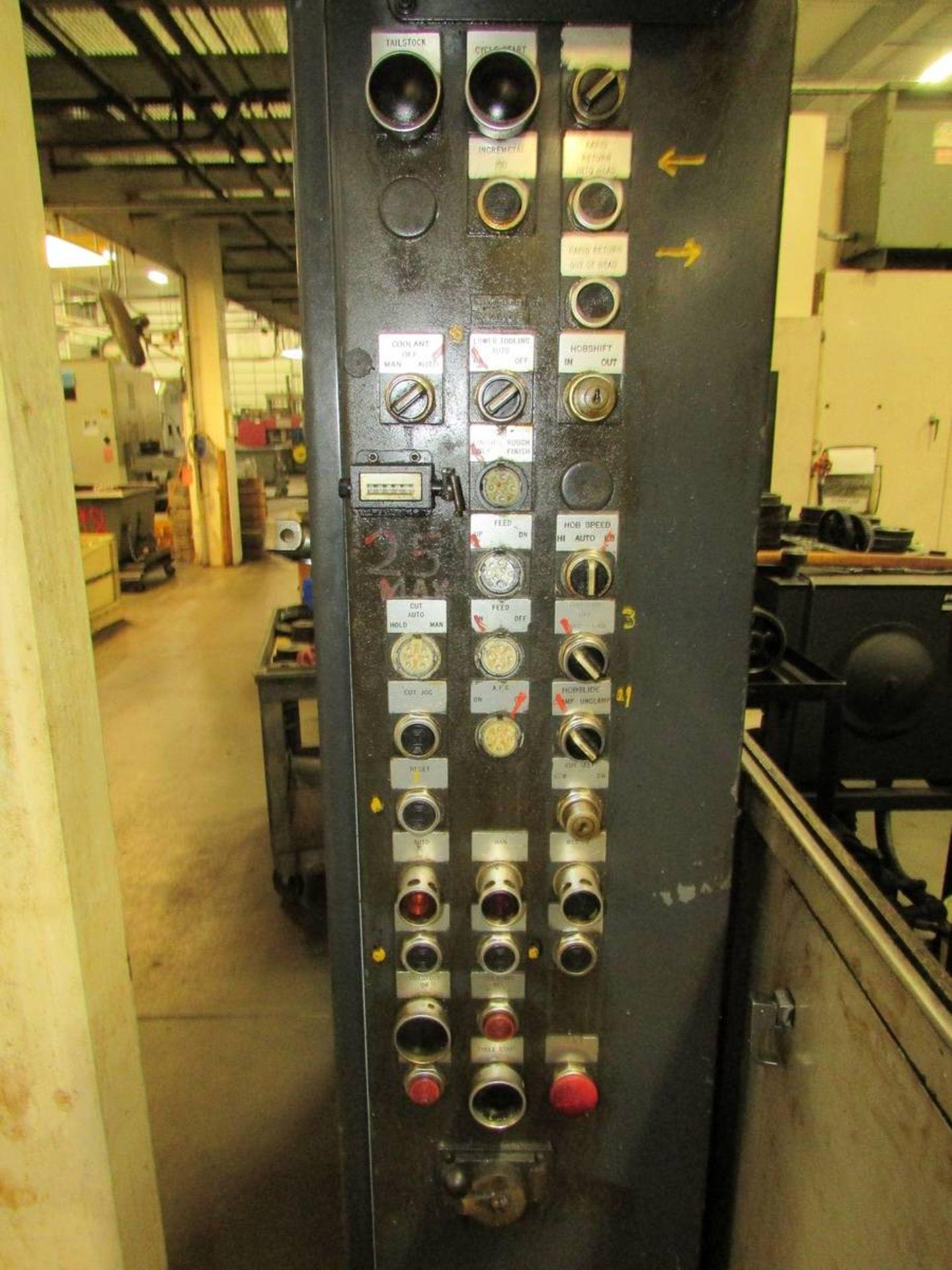 Cleveland/ Waterbury Farrel CR300-612-002 Universal CNC Gear Hobbing Machine - Image 8 of 19