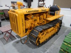CATERPLLIAR D2 - VINTAGE RESTORED CRAWLER, RUNNING CONDITION, S/N 3J426, W/ PONI MOTOR, PTO NOTE: