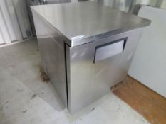 TRUE UNDERCOUNTER REFRIGERATION UNIT - TUC-27 W/ STAINLESS STEEL TOP, S/N 1-3410931, R134a