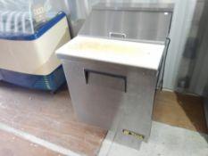TRUE SANDWICH PREP TABLE W/ CUTTING BOARD TOP MODEL TSSU-27-08 S/N #8385789, R134a