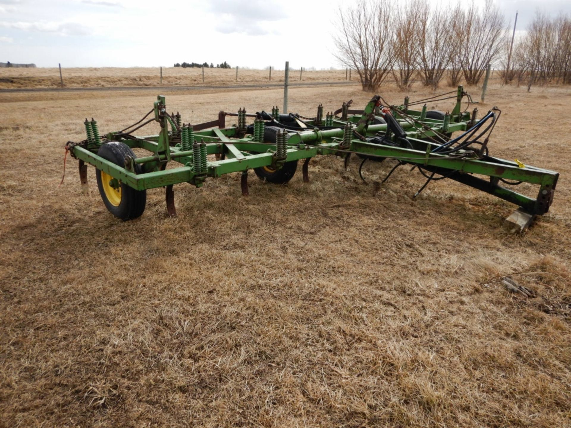 JD 18 FT DEEP TILLAGE CULTIVATOR W/SPIKES - Image 4 of 4