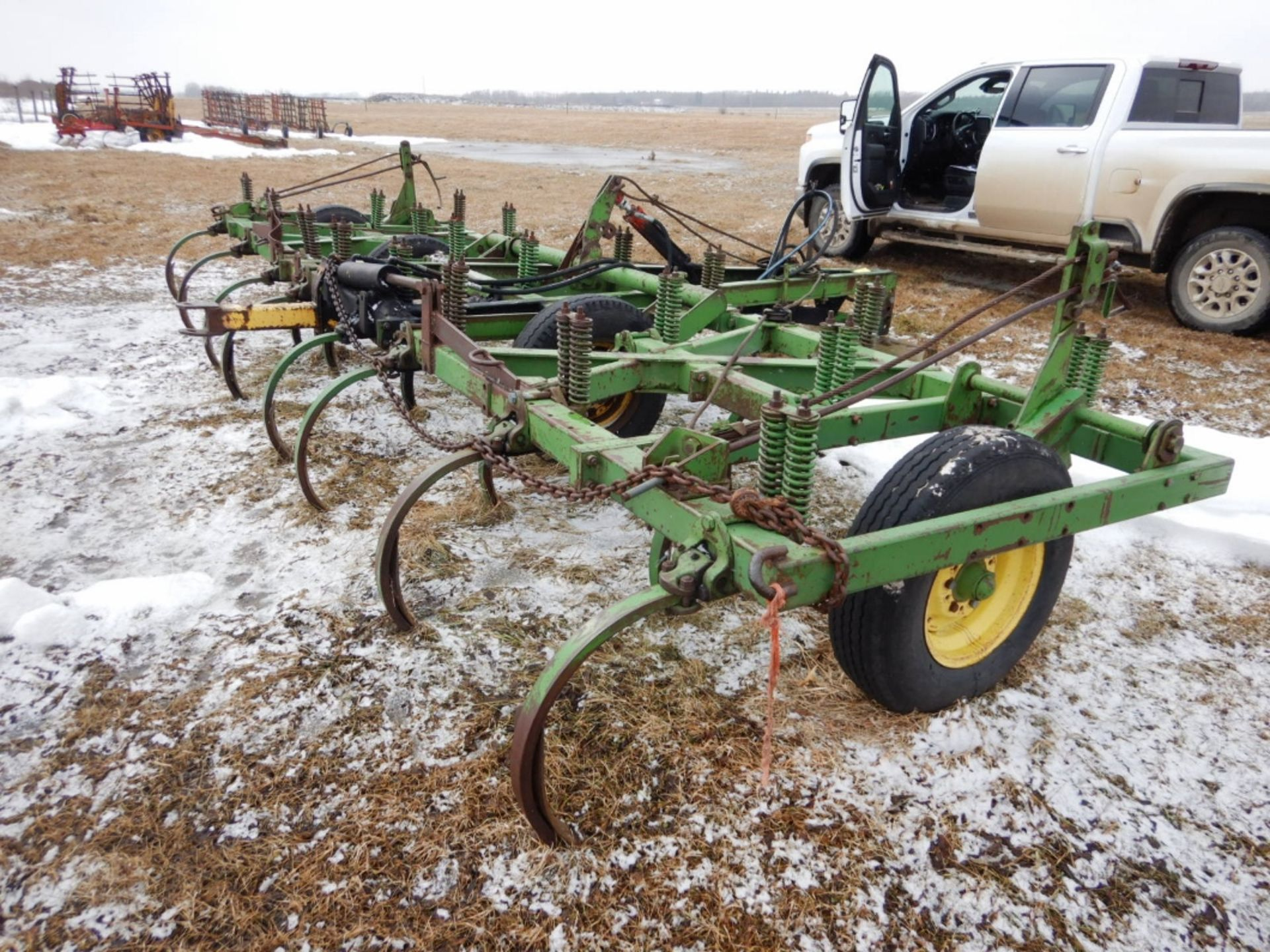 JD 18 FT DEEP TILLAGE CULTIVATOR W/SPIKES - Image 2 of 4