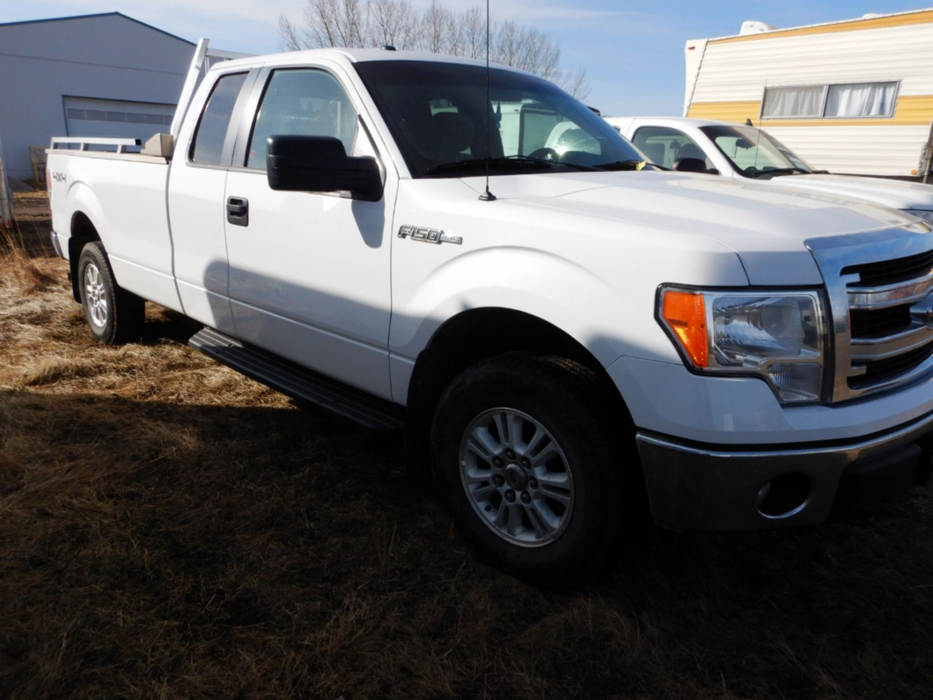 06/2014 FORD F150 XLT 4X4 EXTENDED CAB LONG BOX PICKUP W/BOX RAILS & HEAD ACHE RACK, AT, V8-GAS S/ - Image 2 of 7