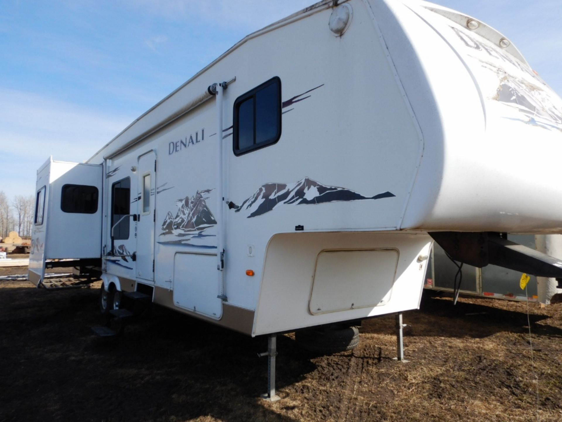 2006 DUTCHMEN DENALI 31RGBS/M5 5W HOLIDAY RV TRAILER S/N 47CFD1S226P616039 W/3-SLIDE-OUTS, AWNING, - Image 3 of 16