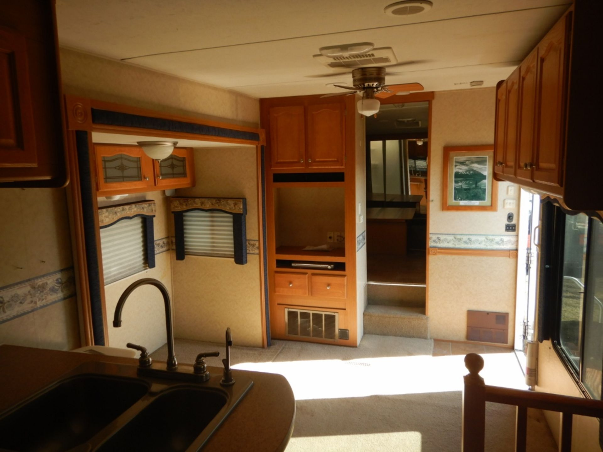 2006 DUTCHMEN DENALI 31RGBS/M5 5W HOLIDAY RV TRAILER S/N 47CFD1S226P616039 W/3-SLIDE-OUTS, AWNING, - Image 11 of 16