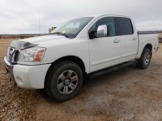 2005 NISSAN 4X4 5.6L V8 DOHC 32V CREW CAB PICK UP TRUCK W/ FULL LOAD, DVD PLAYER W/ REMOTE AND