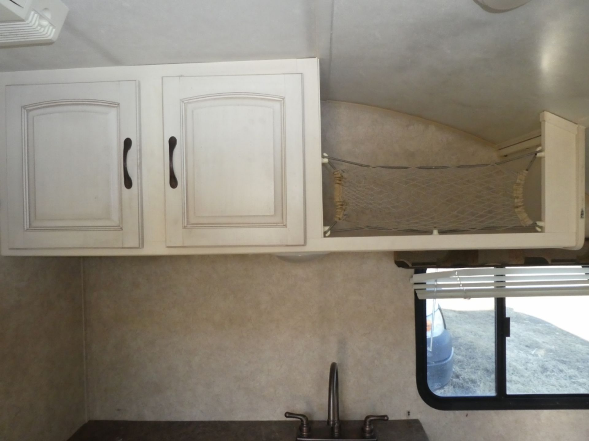 10/2008 FOREST RIVER R-POD S/A HOLIDAY TRAILER MODEL RP171 S/N 4X4TRP7151L004142 W/A/C, BATHROOM, - Image 5 of 12