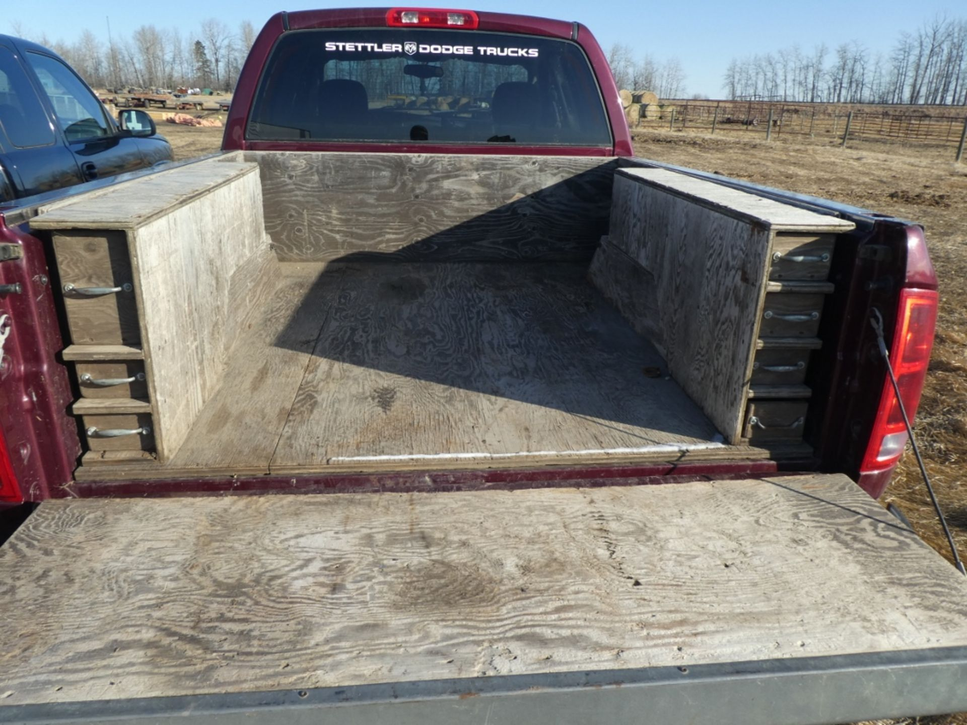 2003 DODGE RAM 1500 PICKUP, GAS, CREW CAB, SHORT BOX, AT, 248,000KM'S SHOWING, S/N - Image 3 of 11