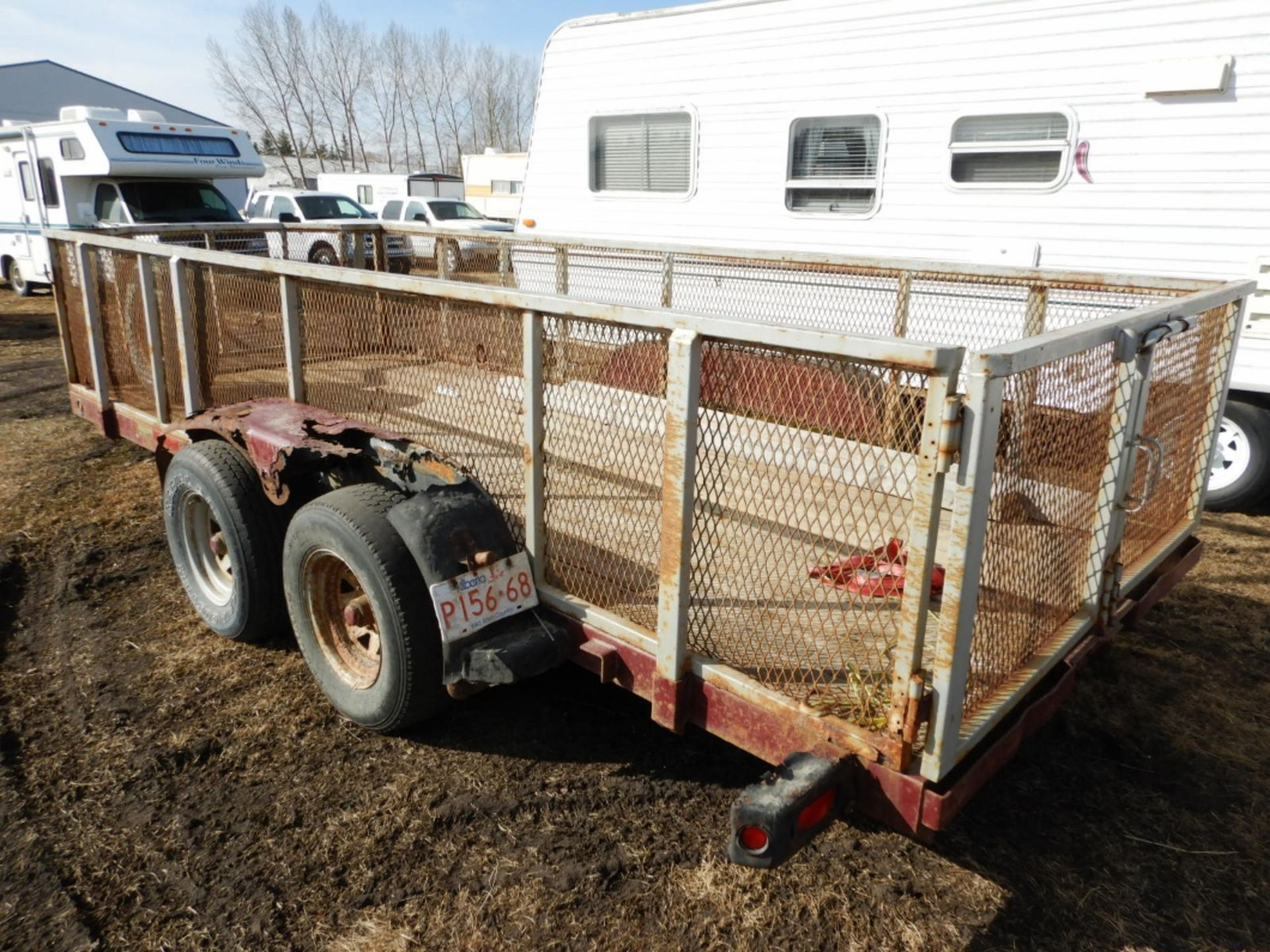 16 FT T/A CAR/EQUIPMENT TRAILER W/REMOVABLE MESH STEEL RACKS NO VIN, NO YEAR, NO MAKE & MODEL - Image 4 of 6