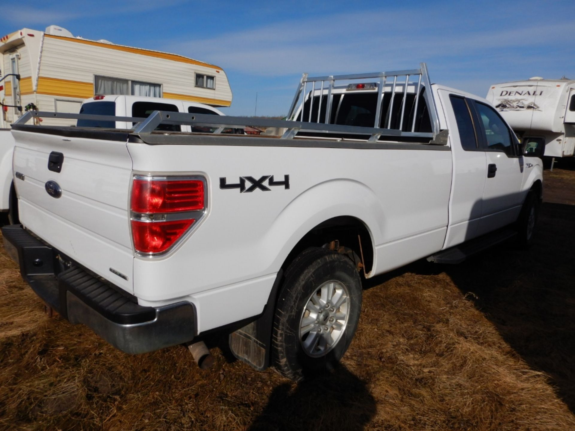 06/2014 FORD F150 XLT 4X4 EXTENDED CAB LONG BOX PICKUP W/BOX RAILS & HEAD ACHE RACK, AT, V8-GAS S/ - Image 3 of 7