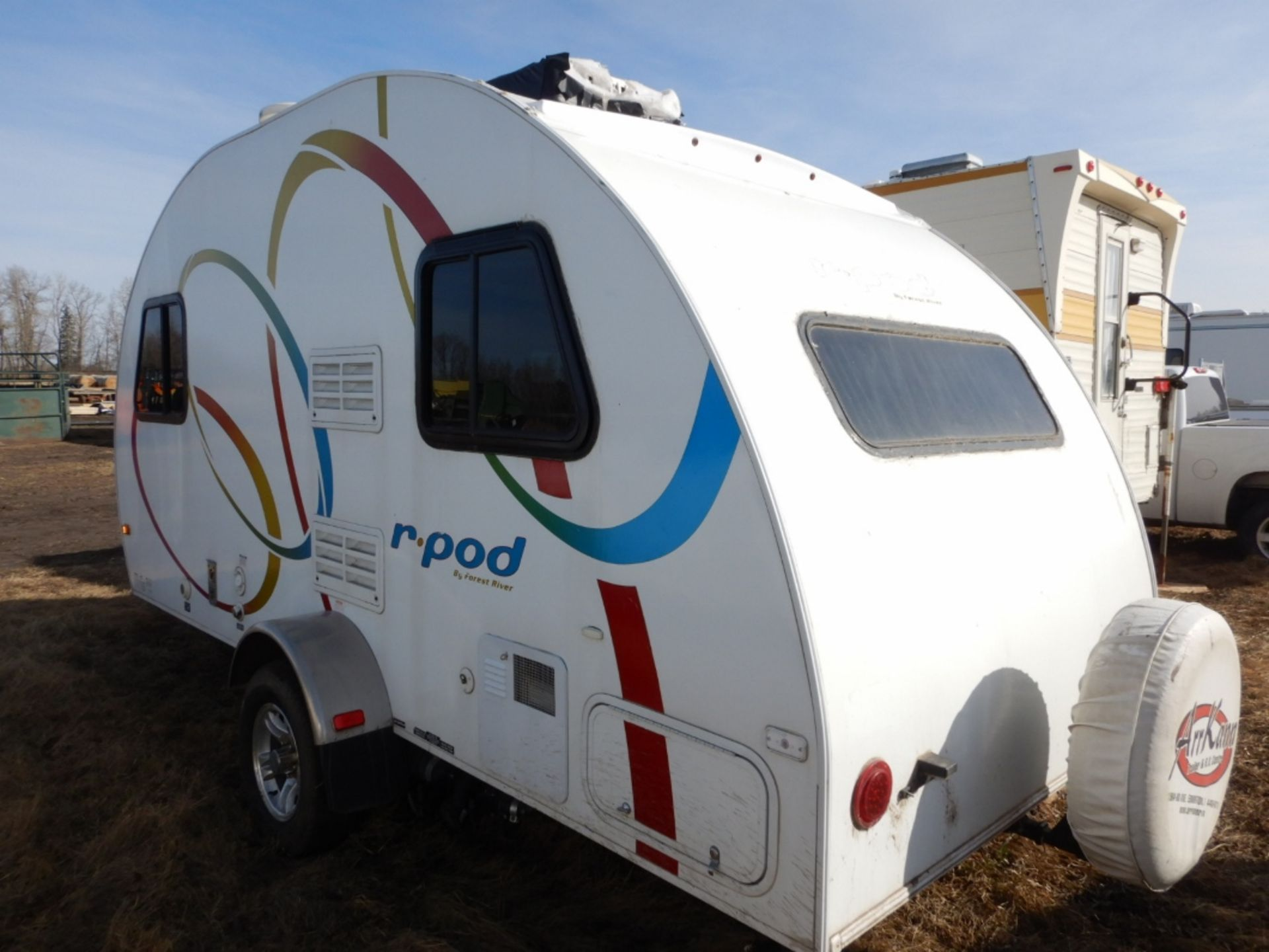 10/2008 FOREST RIVER R-POD S/A HOLIDAY TRAILER MODEL RP171 S/N 4X4TRP7151L004142 W/A/C, BATHROOM, - Image 4 of 12