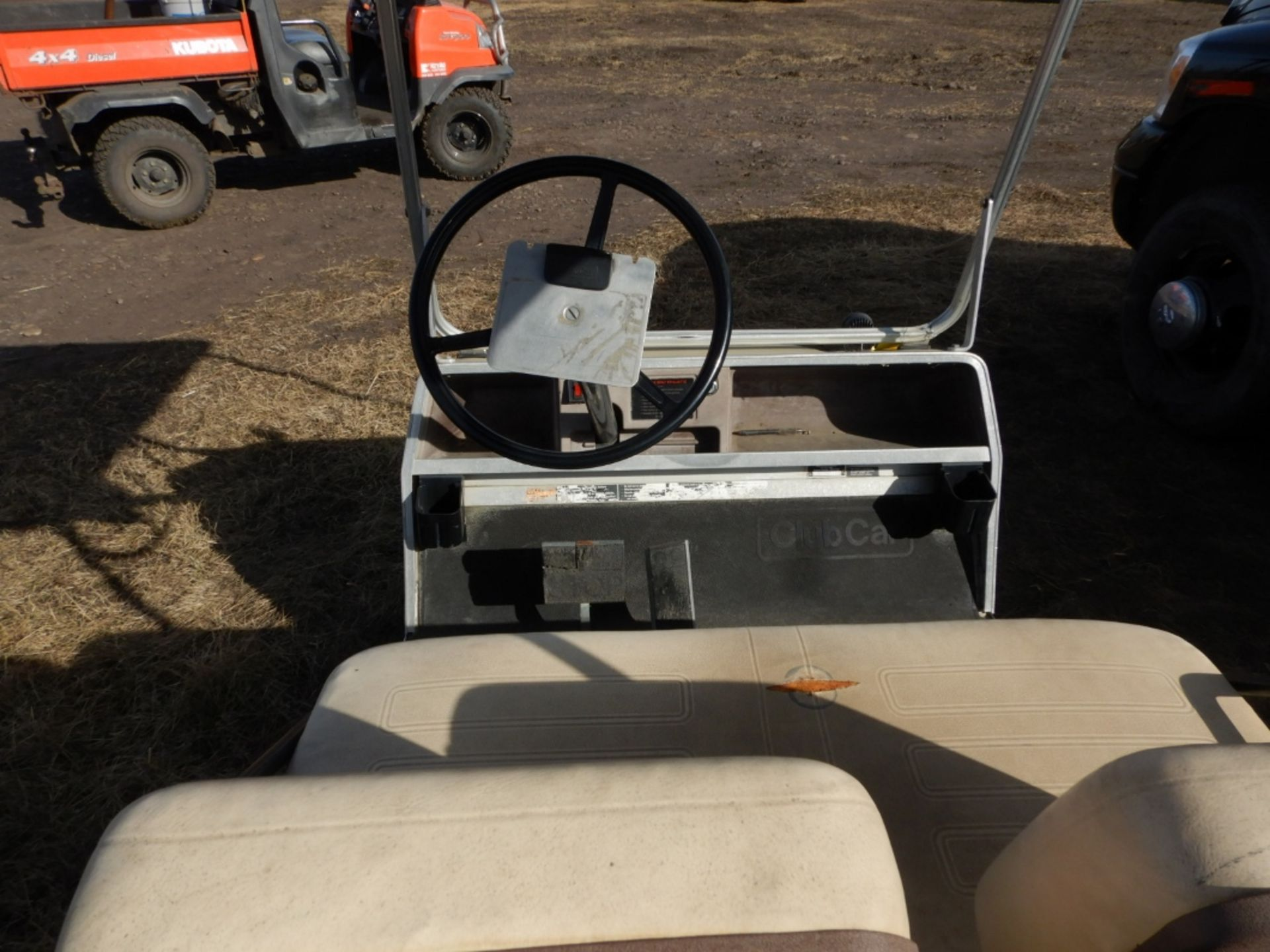 CLUB CAR GAS POWERED GOLF CART S/N AG9132254635 W/NEW BRAKES, BATTERY, REAR SEAT - Image 4 of 6