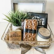 Little Smoky Gift Co - Gift Basket - Gift Basket featuring Canadian products - Kevin & Loreea