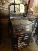 SCHUMACHER SF 4022 ELECTRIC BATTERY CHARGER, 200A 12V ENGINE START, 40A RAPID CHARGE, 2A SLOW