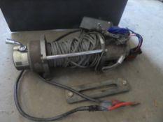 WARN M8000 ELECTRIC WINCH W/ REMOTE