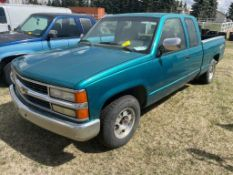 1994 CHEVROLET 1500 CHEYENNE THUNDER EXTENDED CAB PICK UP TRUCK W/ 6FT BOX, 499,691KM SHOWING
