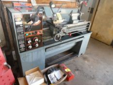 2005 KING INDUSTRIAL 14IN X 40IN METALWORKING ENGINE LATHE W/ 1IN BORE, HP/CV 2, SINGLE PHASE, 240V,