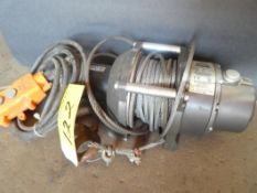 WARN 1100LBS ELECTRIC WINCH WITH REMOTE