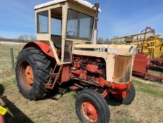 CASE 930 COMFORT KING TRACTOR W/ CAB, DIESEL ENGINE, 18.4X30 RUBBER, 5140 HR SHOWING, S/N 8250981