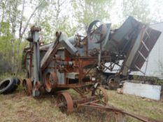 WATERLOO 5026 THRESHING MACHINE - (RUNNING WHEN PARKED)