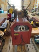 LINCOLN ELECTRIC ARC WELDER, AC 225 AMP LINCWELDER W/ CABLES
