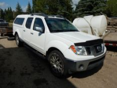 2009 NISSAN FRONTIER LE 4X4 CREW CAB TRUCK W/ AC, LEATHER, HEATED SEATS, ROOF RACK, LEER CANOPY,