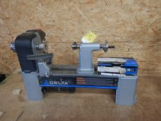 DELTA 12.5IN VARIABLE SPEED MIDI-LATHE W/ REVERSIBLE WOOD TURNING CHUCK