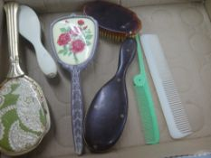 BOX OF VINTAGE BRUSHES, MIRRORS, COMBS, ETC