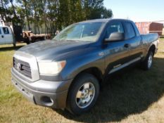 2007 TOYOTA TUNDRA 4X4 P/U W/ 5.7L V8, A/T, QUAD CAB, CLOTH INT., 6FT BOX, 508,273 KM'S SHOWING