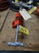 RIDGID PIPE CUTTER 1/8IN TO 2IN AND TOLEDO PIPE VISE