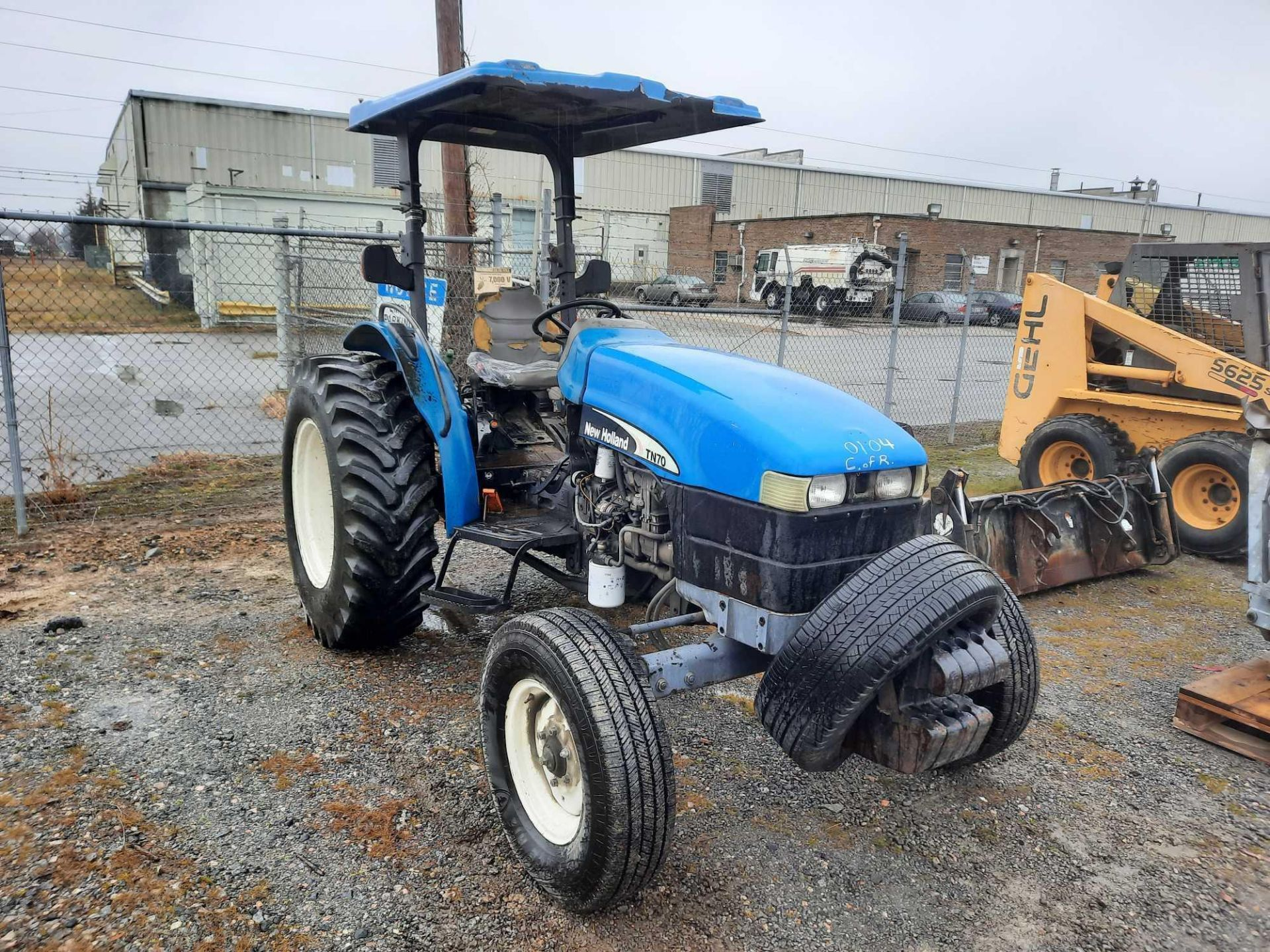 200 NEW HOLLAND TN70 TRACTOR - Image 4 of 4