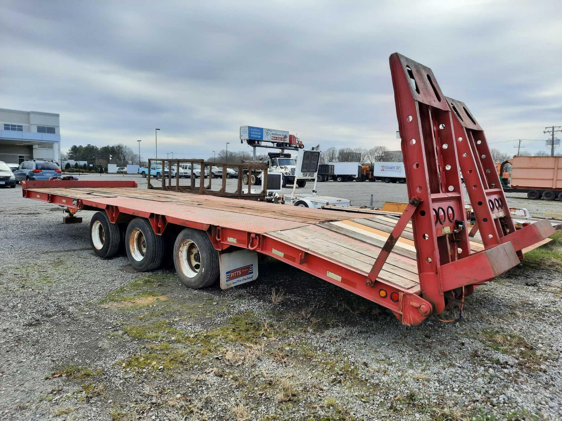 2004 PITTS TRI-AXLE TRAILER - Image 2 of 4
