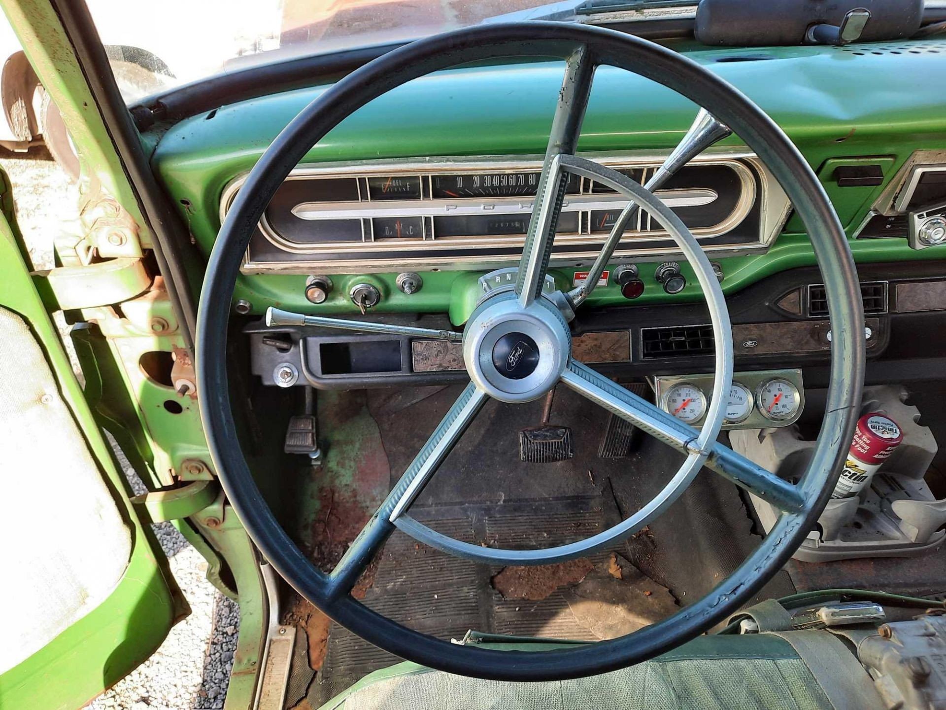 1972 FORD CREW CAB 350 PICK UP TRUCK (INOPERABLE) - Image 6 of 15
