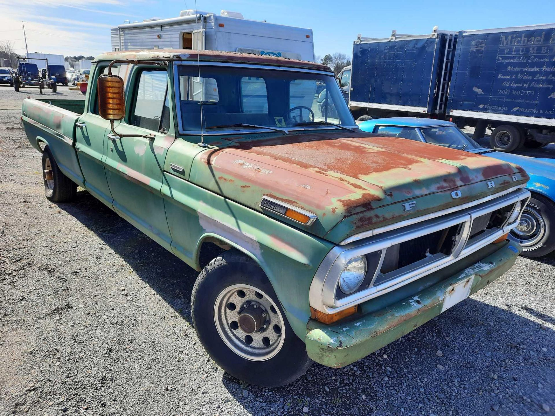 1972 FORD CREW CAB 350 PICK UP TRUCK (INOPERABLE) - Image 4 of 15
