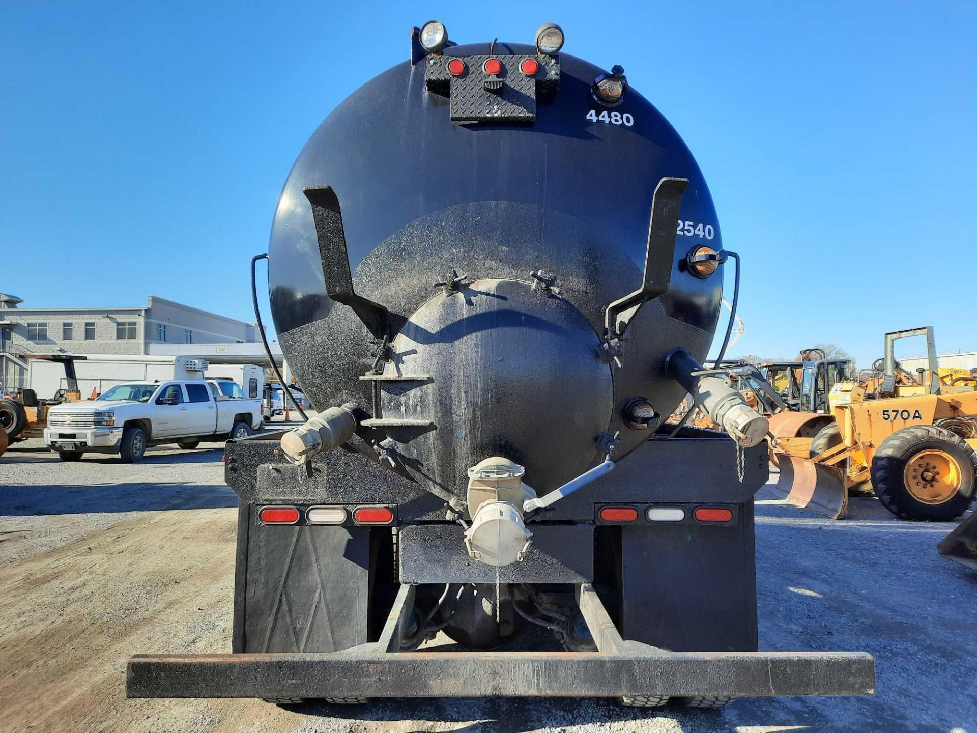 2003 KENWORTH T 800 SEPTIC TANK TRUCK - Image 23 of 25