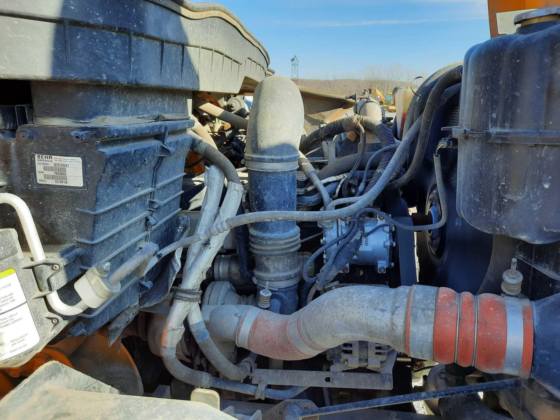 2010 INTERNATIONAL 7300S KNUCKLEBOOM TRUCK - Image 11 of 18