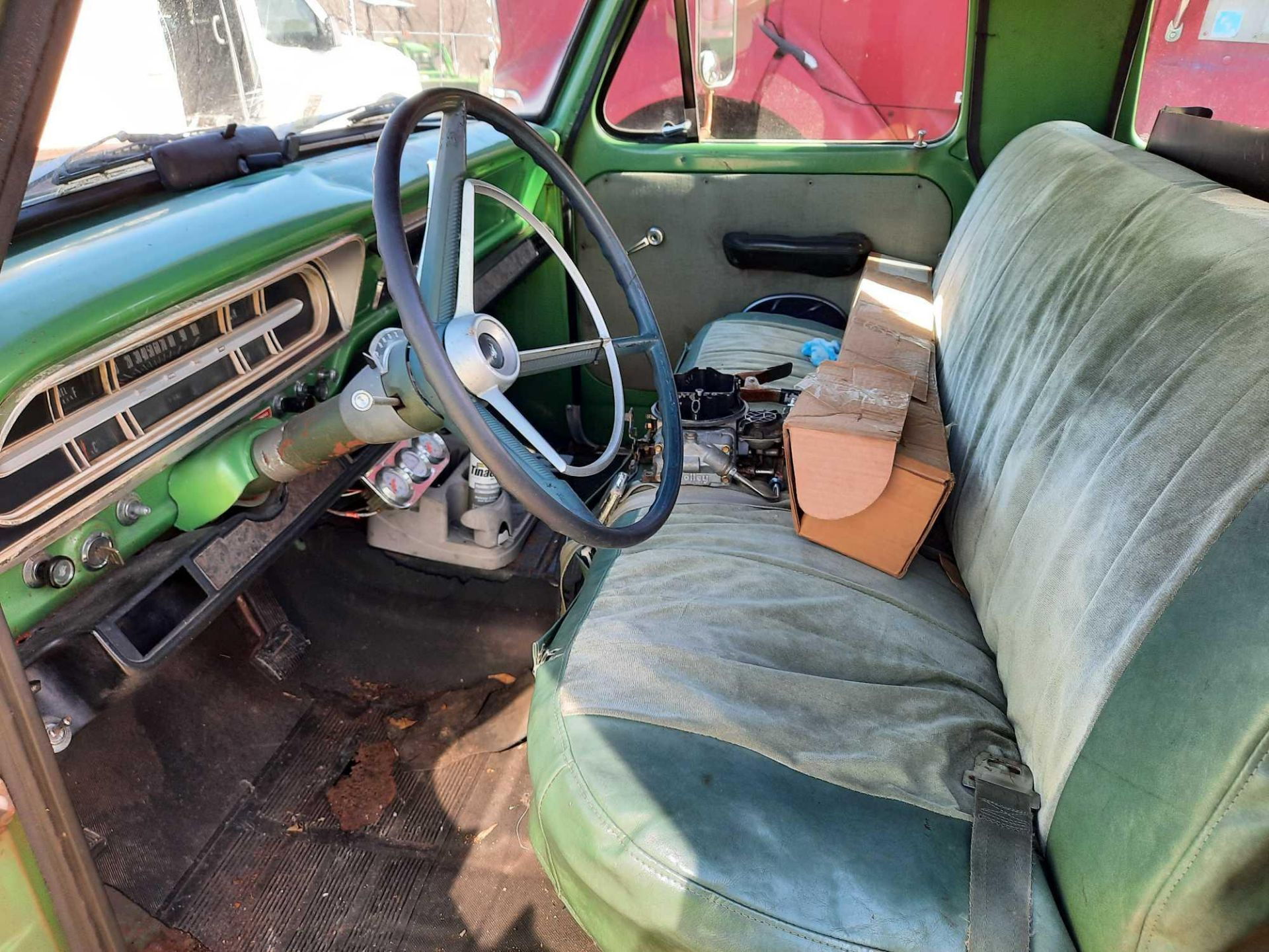 1972 FORD CREW CAB 350 PICK UP TRUCK (INOPERABLE) - Image 8 of 15