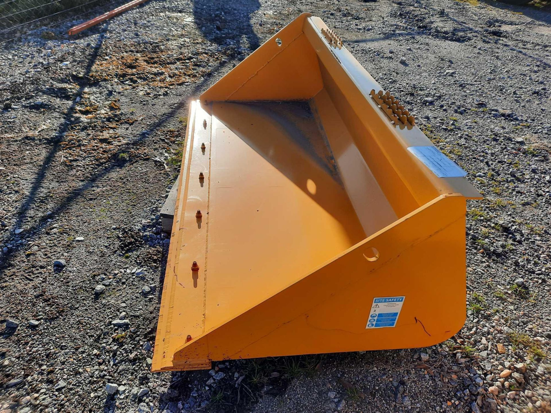 "(1) 72"" SEVERE SKID STEER BUCKET - Image 2 of 3"