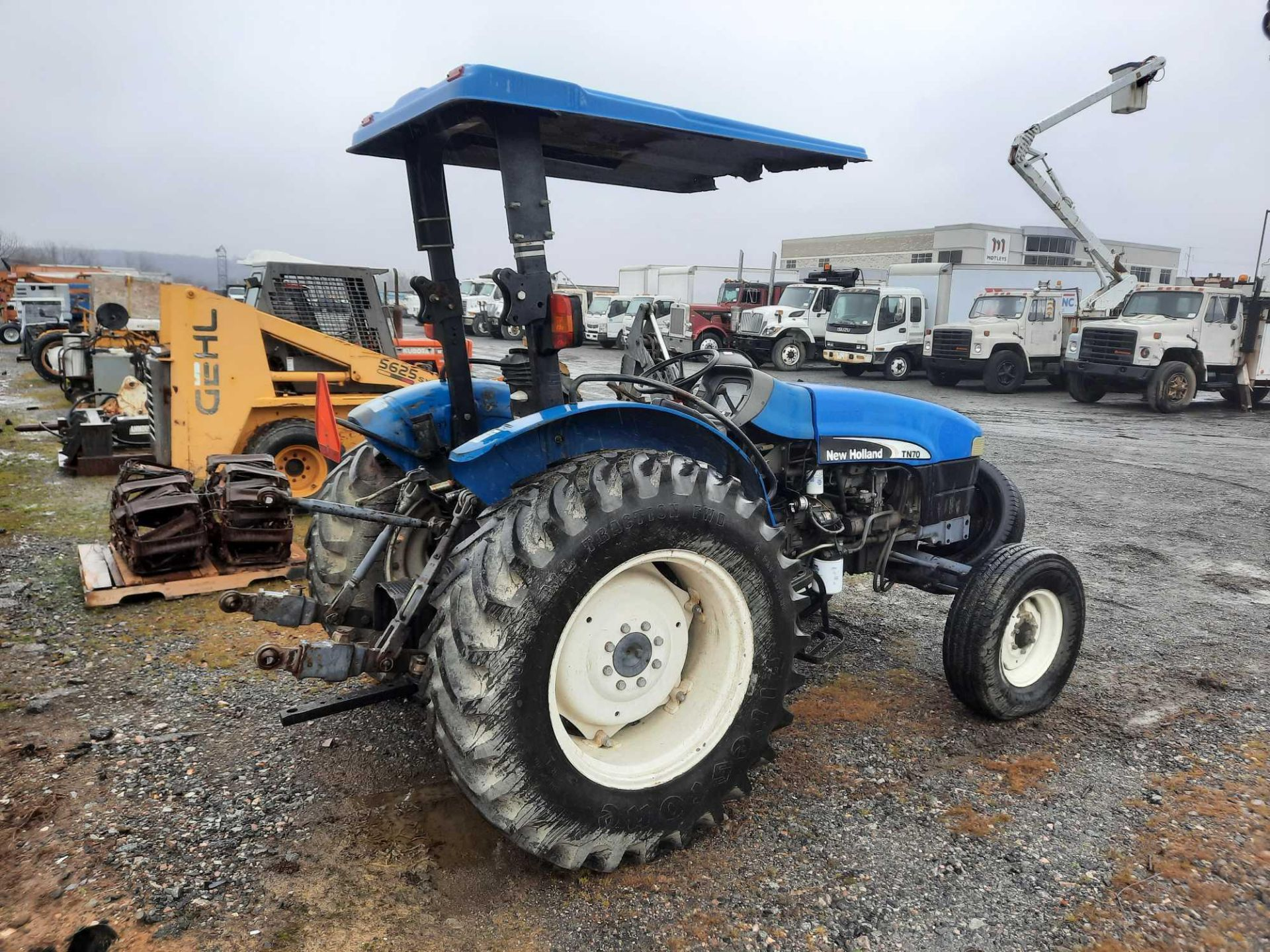 200 NEW HOLLAND TN70 TRACTOR - Image 3 of 4