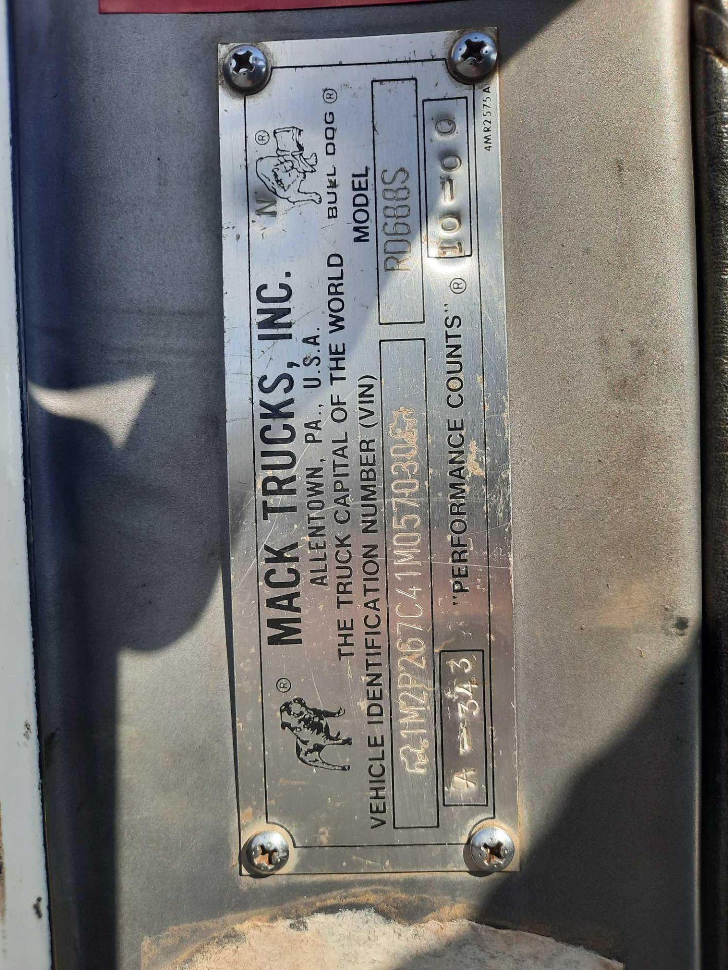 2001 MACK TRI/A ROLL OFF TRUCK - Image 11 of 23