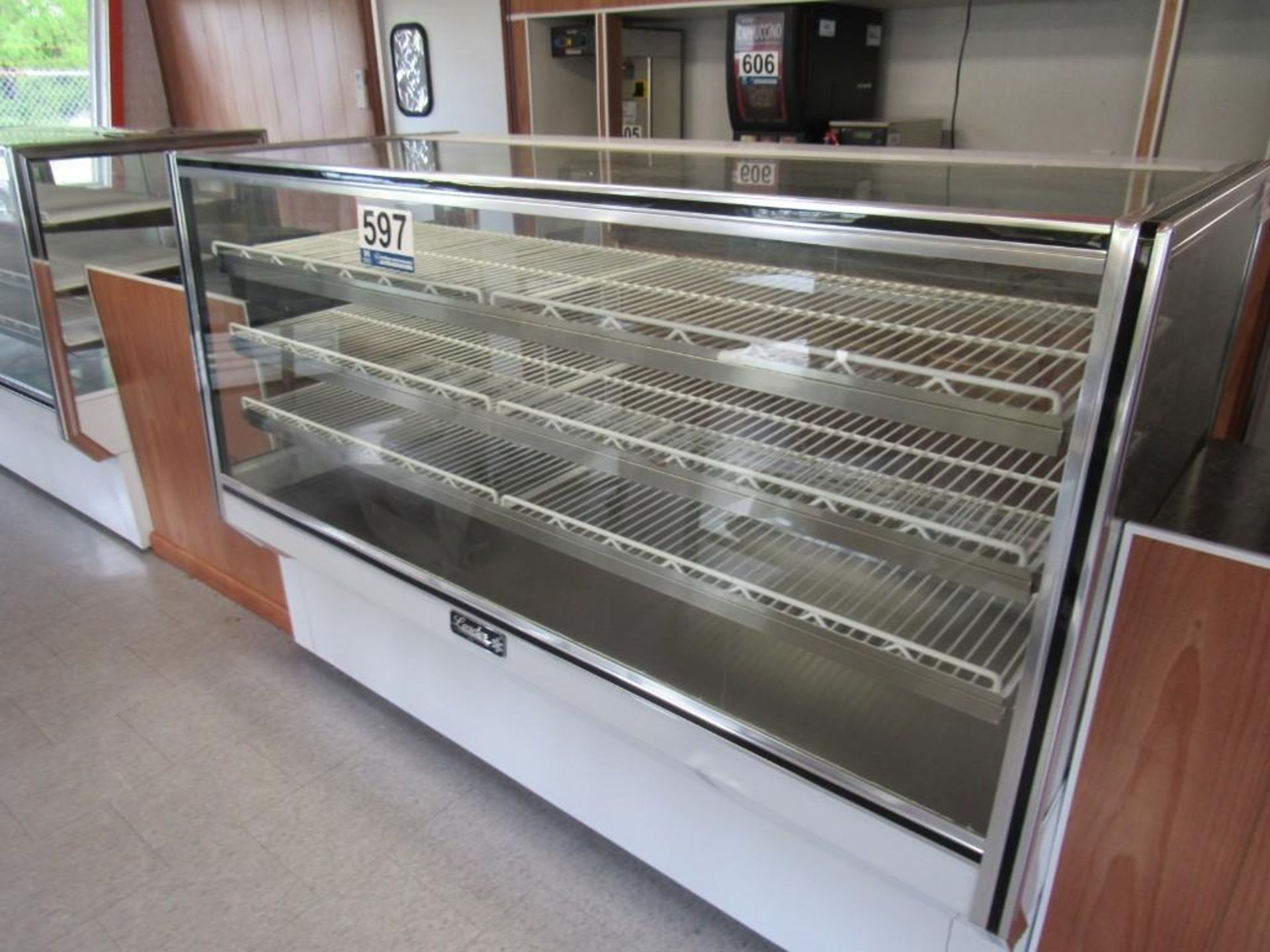2018 LEADER MANUFACTURING DISPLAY CABINET - Image 2 of 4