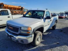 2005 GMC Sierra 2500 HD PICK UP TRUCK (INOPERABLE)
