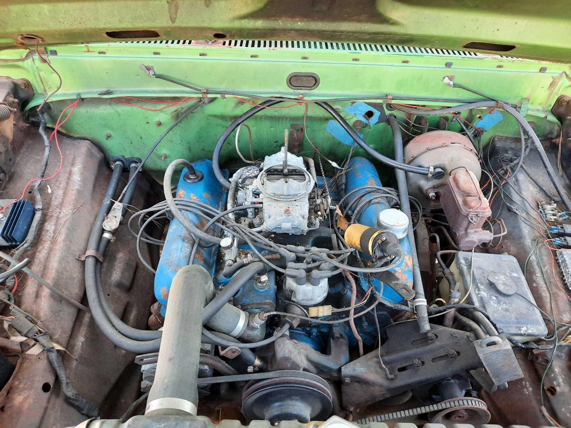 1972 FORD CREW CAB 350 PICK UP TRUCK (INOPERABLE) - Image 10 of 15