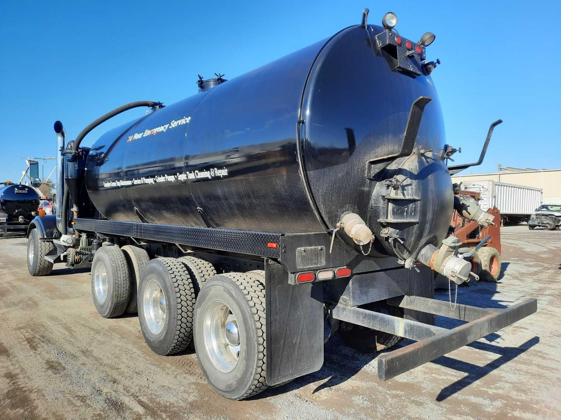 2003 KENWORTH T 800 SEPTIC TANK TRUCK - Image 2 of 25