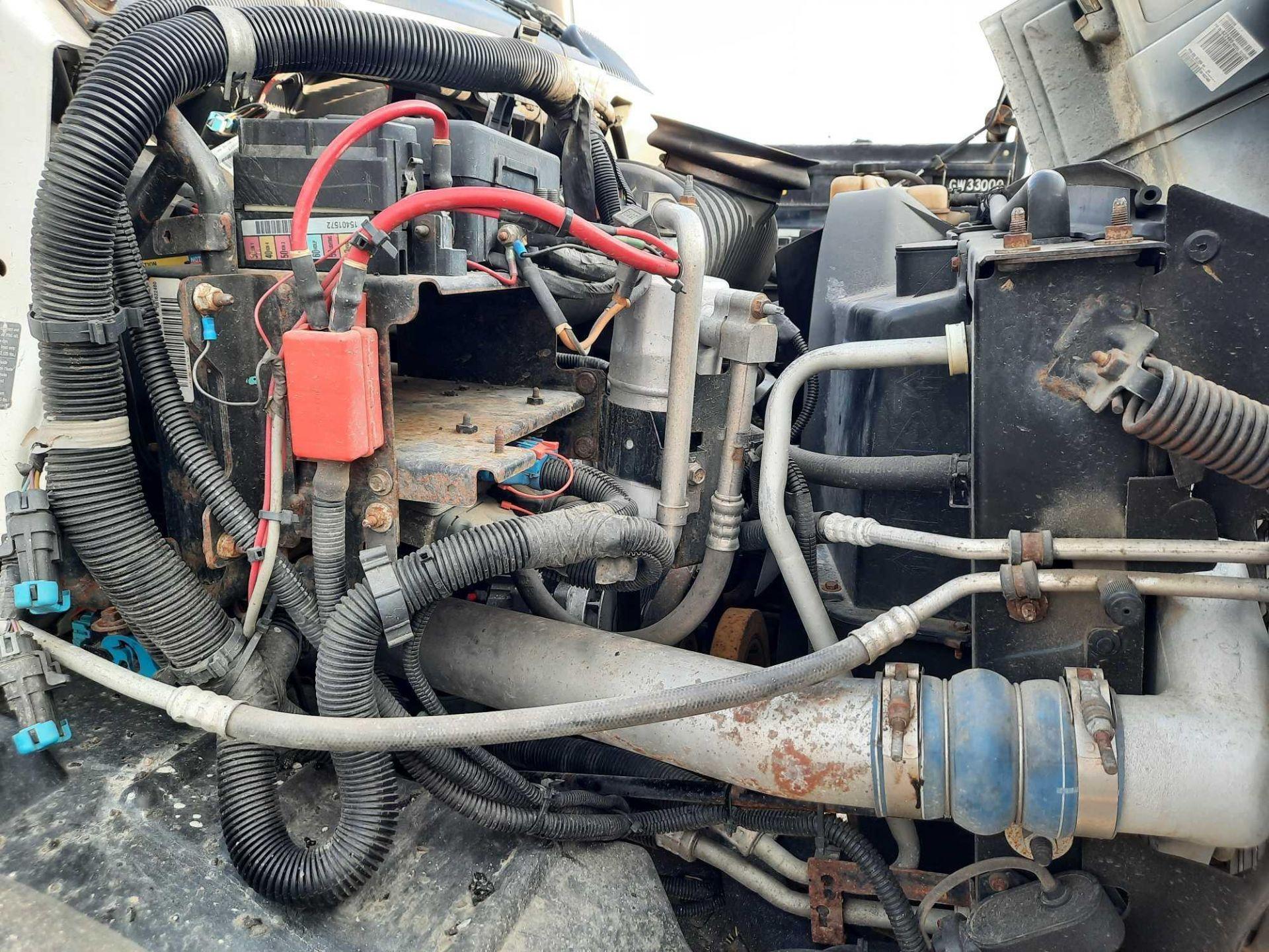 2006 GMC 7500 S/A 10' DUMP TRUCK (VDOT UNIT: R08291) - Image 11 of 19