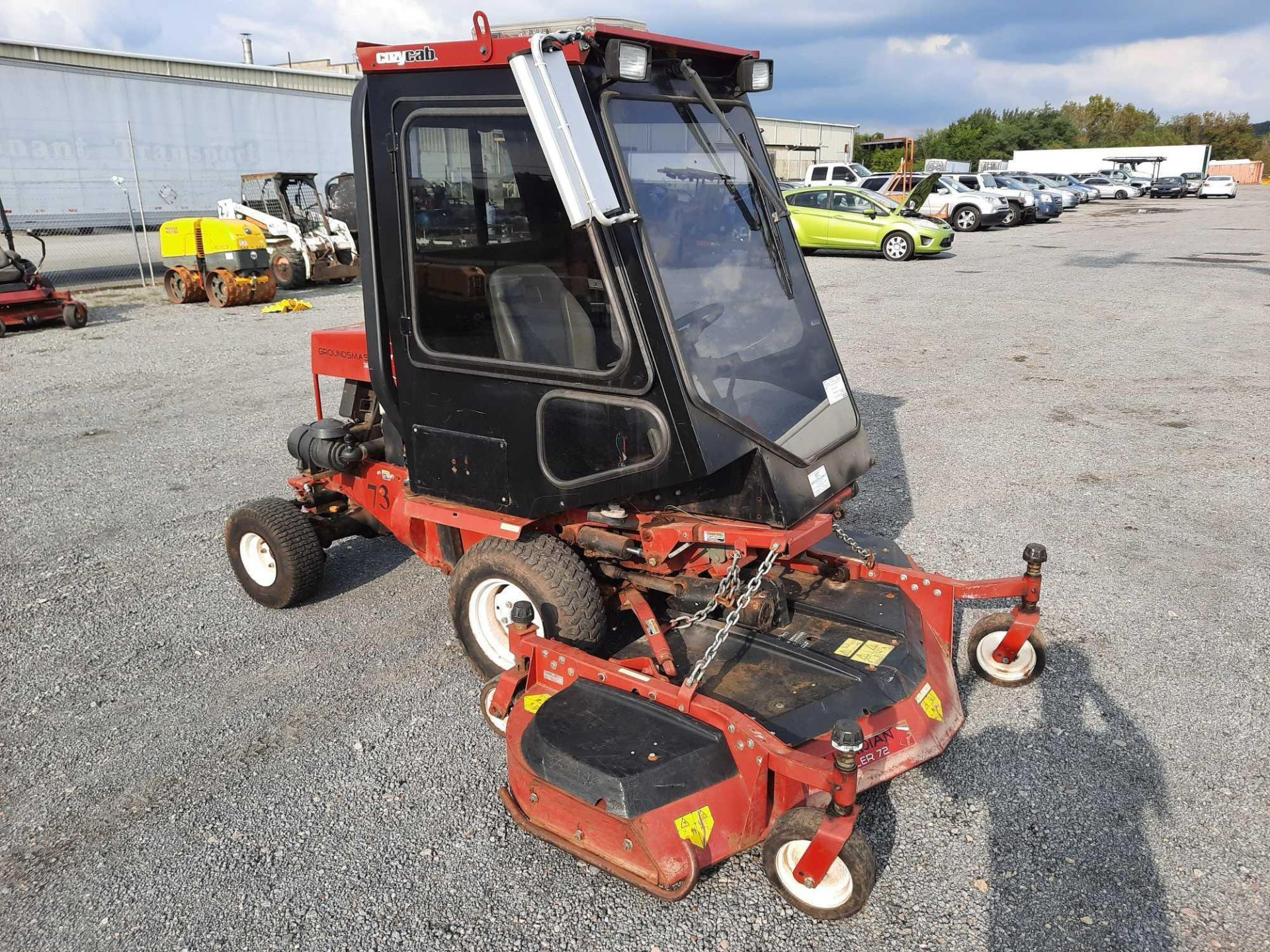 TORO 4X4 GROUNDSMASTER MOWER SWEEPER - Image 4 of 4