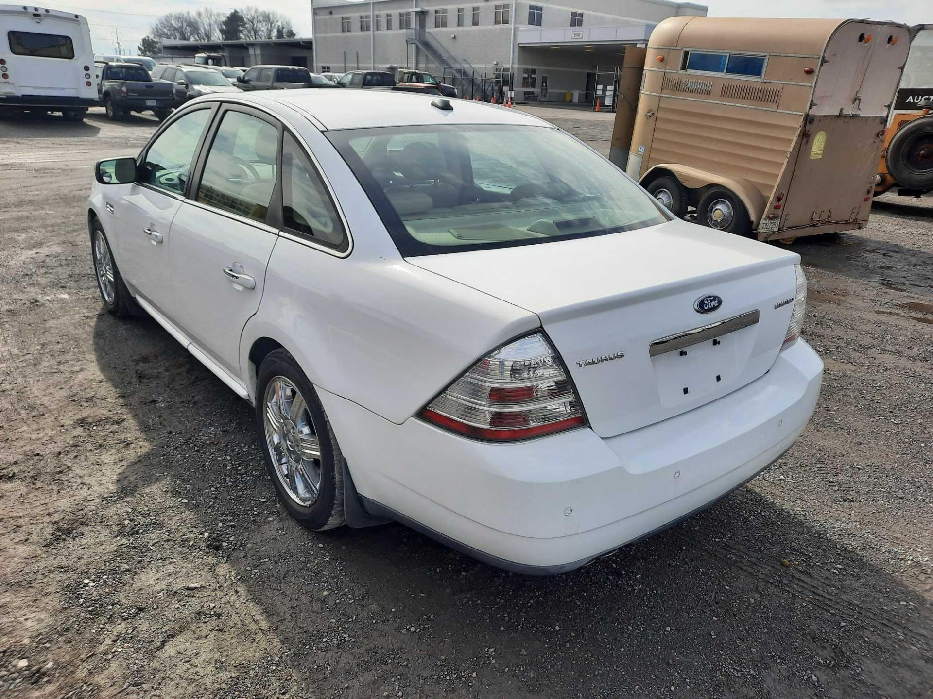 2008 FORD TAURUS LIMITED - Image 2 of 18
