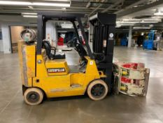CATERPILLAR 8,000-LBS. LP FORKLIFT, MODEL GC40K STR, S/N AT8702148, 4-STAGE MAST, PAPER ROLL CLAMP,