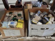 SKID OF ASSORTED ALLEN BRADLEY PUSH BUTTON ACCESSORIES, SWITCHES, AND CLOSING BUTTONS